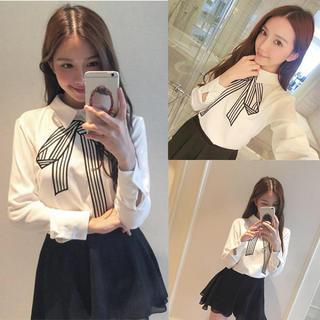 Lily Brown - リボンプリントデザインシャツ