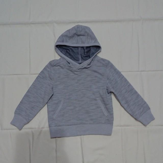 Old Navy(オールドネイビー)の新品同様110㎝オールドネイビー長袖トレーナーパーカー キッズ/ベビー/マタニティのキッズ服男の子用(90cm~)(Tシャツ/カットソー)の商品写真