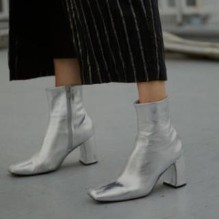 アメリヴィンテージ(Ameri VINTAGE)のSQUARE HELPFUL BOOTS ameri アメリ シルバーLサイズ(ブーツ)