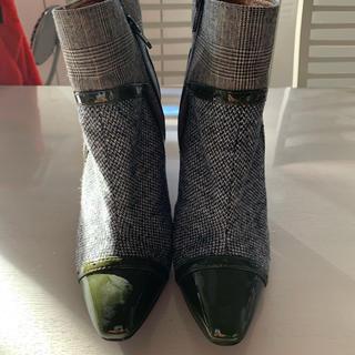 グランチェックとグリーンのブーツ(ブーツ)