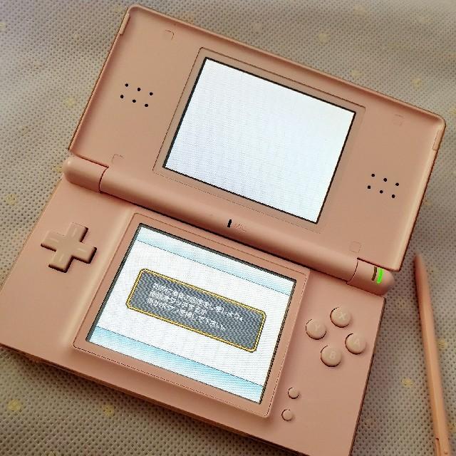 ニンテンドー DS Lite ピンク エンタメ/ホビーのゲームソフト/ゲーム機本体(携帯用ゲーム機本体)の商品写真