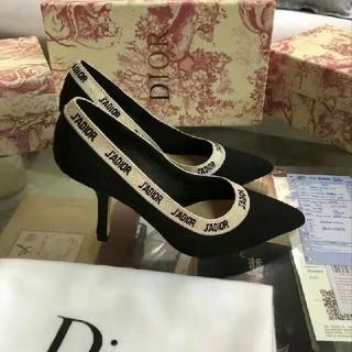Dior ハイヒールパンプス