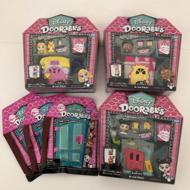 Disney(ディズニー)のドアラブル セット エンタメ/ホビーのおもちゃ/ぬいぐるみ(キャラクターグッズ)の商品写真