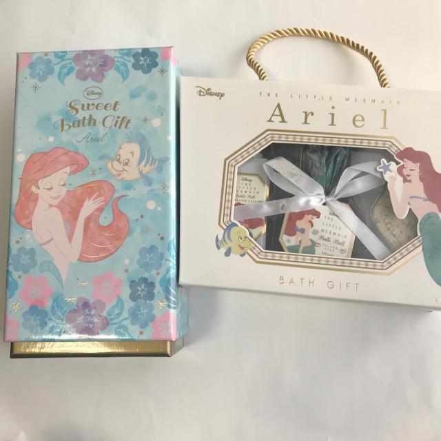 Disney(ディズニー)のDisney アリエル バスセット 2個セット コスメ/美容のボディケア(入浴剤/バスソルト)の商品写真