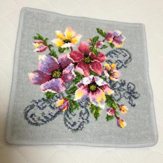 フェイラー(FEILER)の新品未使用♡シェニール織 ハンカチタオル 花柄 グレー(ハンカチ)