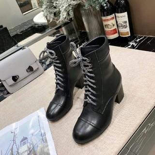 miumiu ブーツ