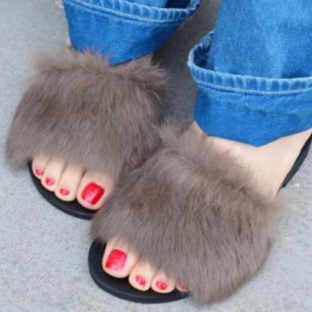 Khaju(カージュ)のカージュ シップス ファーサンダル フラット リアルファー レディースの靴/シューズ(サンダル)の商品写真