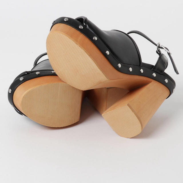 SLY(スライ)のSLY WOOD HEEL CHUNKY SANDAL レディースの靴/シューズ(サンダル)の商品写真