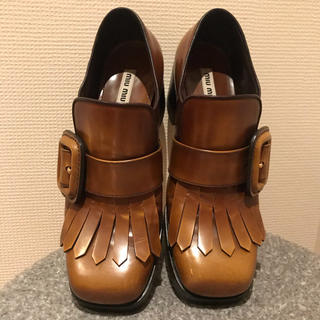 ミュウミュウ(miumiu)のmiumiu ミュウミュウ シューズ(ローファー/革靴)