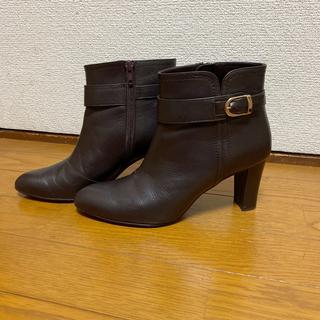 ダイアナ(DIANA)のDIANA ✳︎ ベルト付きレザーショートブーツ(ブーツ)