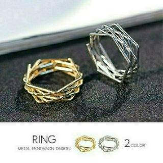 メタルスパイラル五角形デザイン指輪 ゴールド(リング(指輪))