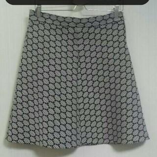 ザラ(ZARA)のZARA☆美品    形キレイなゆるやかフレアースカート(ミニスカート)