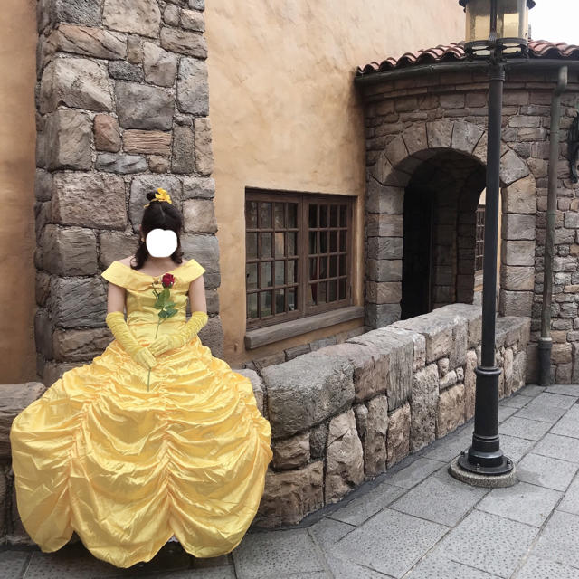 Disney(ディズニー)の美女と野獣 ベル ドレス エンタメ/ホビーのコスプレ(衣装一式)の商品写真
