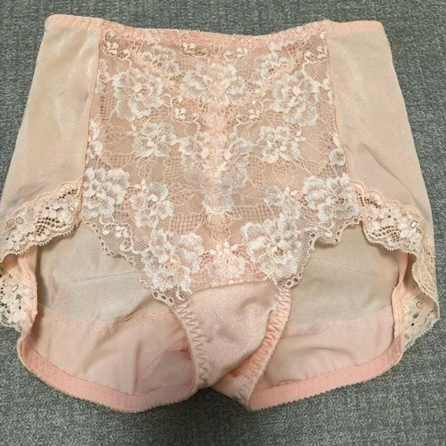 しまむら(シマムラ)のガードル  矯正下着 未使用 ピンク Lサイズ パンツ ショーツ レディースの下着/アンダーウェア(ショーツ)の商品写真