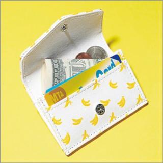 バナナリパブリック(Banana Republic)の新品 BABANA REPUBLIC バナナ柄マイクロ財布 カード入れ(財布)