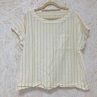 ジーユー(GU)のGUジーユー リネンブラウス Tシャツ 白ストライプ アイボリー 半袖(シャツ/ブラウス(半袖/袖なし))