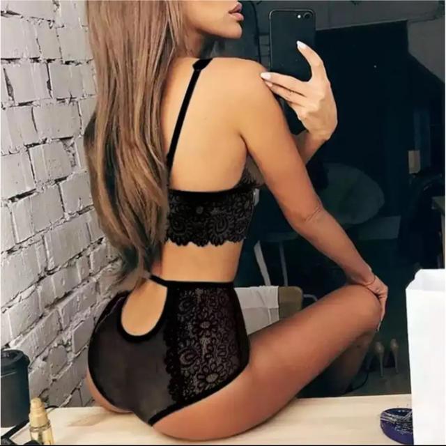 Victoria's Secret(ヴィクトリアズシークレット)のセクシーランジェリーセット レディースの下着/アンダーウェア(ブラ&ショーツセット)の商品写真