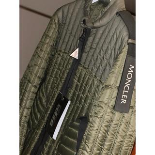 モンクレール(MONCLER)のMONCLER ミリタリーグリーンダウンジャケット 海外限定モデル 未使用品(ダウンジャケット)