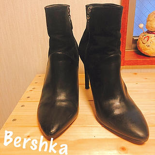 ベルシュカ(Bershka)のスエード切り替えショートブーツ(ブーツ)