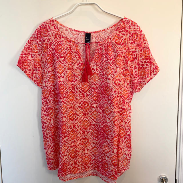 GAP(ギャップ)の⭐️ギャップ⭐️赤ブラウス⭐️サイズM⭐️ レディースのトップス(シャツ/ブラウス(半袖/袖なし))の商品写真