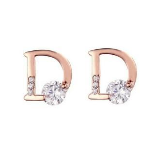 クリスチャンディオール(Christian Dior)のDマーク ブランド シンプル ピアス(ピアス)