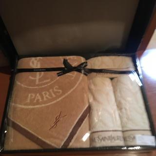 イヴサンローランボーテ(Yves Saint Laurent Beaute)のイヴサンローラン タオルセット(タオル/バス用品)