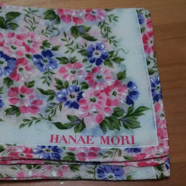 HANAE MORI(ハナエモリ)のHANAE MORIのハンカチ フラワー レディースのファッション小物(ハンカチ)の商品写真