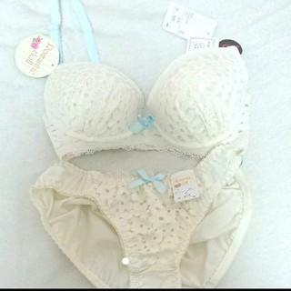 新品タグ付き♡C65ブラジャー&ショーツセット 花柄 ホワイト(ブラ&ショーツセット)