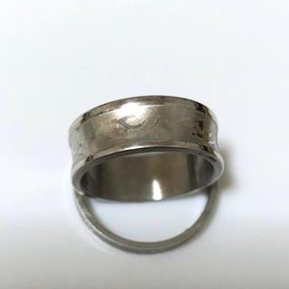 同時購入で300円ステンレス指輪 いばら模様カーブ(リング(指輪))