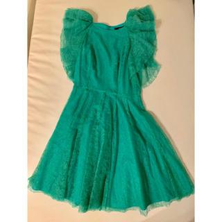 ビーシービージーマックスアズリア(BCBGMAXAZRIA)の グリーン ドレス BCBG maxazria(ミディアムドレス)