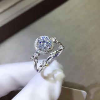 【Newデザイン】輝く 1ct モアサナイト ダイヤモンド リング(リング(指輪))