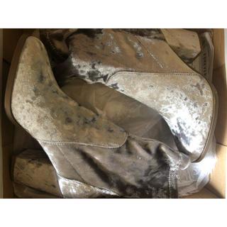 フォーエバートゥエンティーワン(FOREVER 21)のforever21 新品未使用ブーツ(ブーツ)