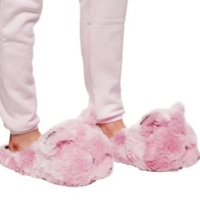 Supreme(シュプリーム)の新品 正規 vetements teady bear slippers ピンク メンズの靴/シューズ(スニーカー)の商品写真
