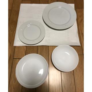 アフタヌーンティー(AfternoonTea)の【美品】プレーンな白い器4点セット(食器)