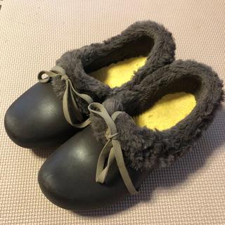 クロックス(crocs)のクロックスw4 子供用 ファー付き 女の子 20〜21センチ(サンダル)
