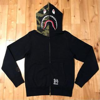 アベイシングエイプ(A BATHING APE)のスワロフスキー シャークパーカー BAPE ape shark ラインストーン(パーカー)