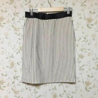 イッカ(ikka)の【未使用】ikkaストライプタイトスカート(ひざ丈スカート)
