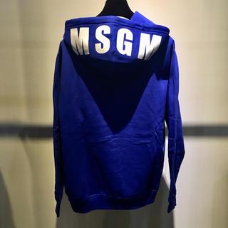 エムエスジイエム(MSGM)のMSGM エムエスジーエム 新品 フードロゴ パーカー XS ブルー(パーカー)
