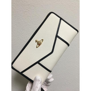 Vivienne Westwood - ホワイト長財布❤️ヴィヴィアンウエストウッド❤️新品・未使用