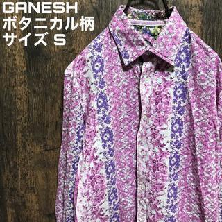 ガネーシュ(GANESH)のGANESH ガネーシュ ボタニカル柄 総柄 花柄 刺繍ロゴ(シャツ)