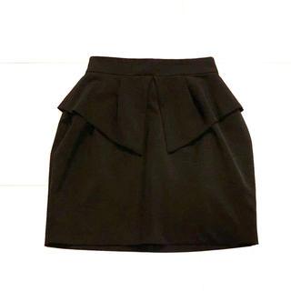 ムルーア(MURUA)のムルーア ブラック スカート Sサイズ ⭐︎フォーマル タイト【 送料込み】(ひざ丈スカート)