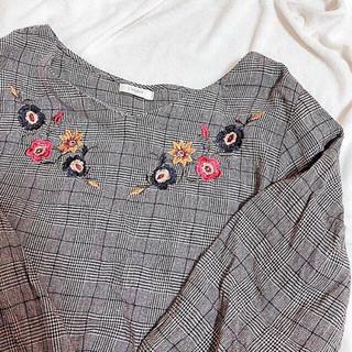 Kastane - 花柄刺繍 🐻💐 チェック柄 長袖ブラウス