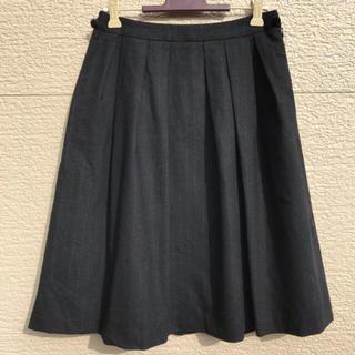 トゥービーシック(TO BE CHIC)のTO BE CHIC スカート カシミヤ混 黒 ブラック ストライプ 38(ひざ丈スカート)