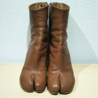 マルタンマルジェラ(Maison Martin Margiela)の【最安値とさせてください】メゾン マルジェラ 足袋ブーツ ブラウン 35サイズ(ブーツ)