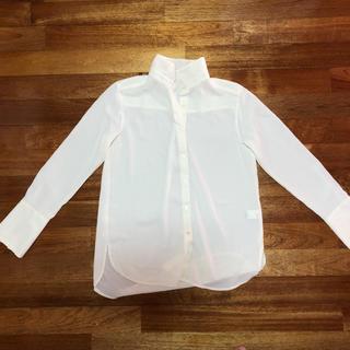 GU - 白シャツ