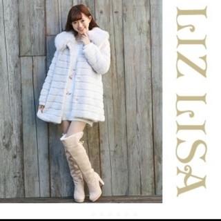 リズリサ(LIZ LISA)のリズリサ 段々ファーコート ふわふわ コート グレー ブローチ LIZ LISA(毛皮/ファーコート)