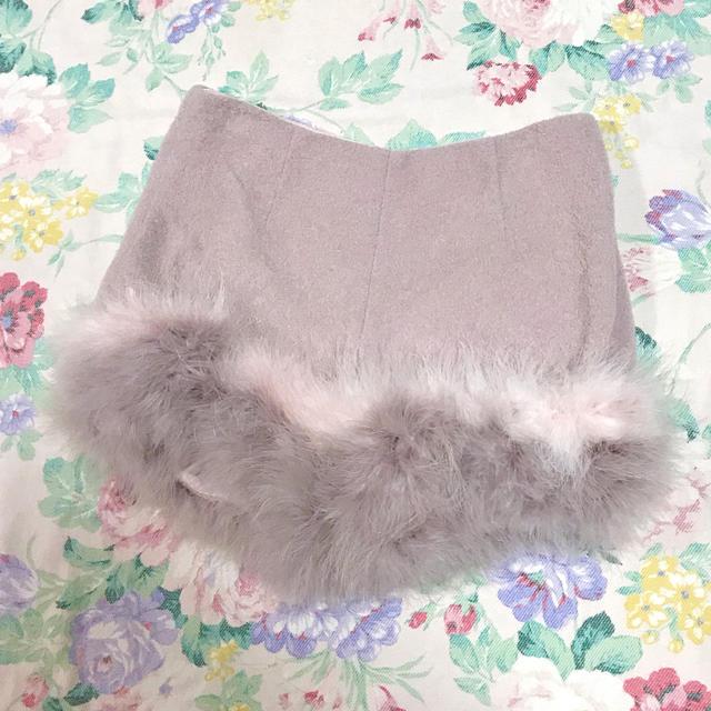 Lily Brown(リリーブラウン)のLily Brown フェザーショートパンツ ファー レディースのパンツ(ショートパンツ)の商品写真