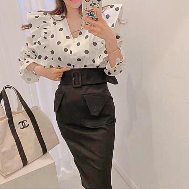 JILLSTUART(ジルスチュアート)の秋 新作❤ラインが綺麗なスカート マーメイド ブラック タイト デザイン  レディースのスカート(ロングスカート)の商品写真