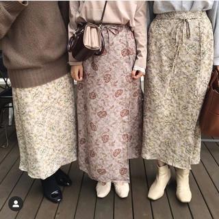mystic - ドット花柄ラップスカート