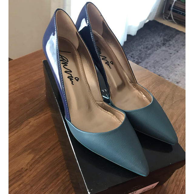 LANVIN en Bleu(ランバンオンブルー)のLANVIN ランバン インポート希少 バイカラーパンプス37 レディースの靴/シューズ(ハイヒール/パンプス)の商品写真
